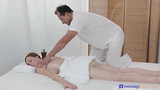 Masseur pumps younger babe and makes say no to swallow