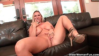 Busty milf Devon Lee gets creampied at the end of one's tether older guy