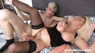 Pal fucks his fat ass mature aunt until she falls exhausted
