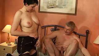Horny guy loves gender his chubby wife Kymberly on the bed