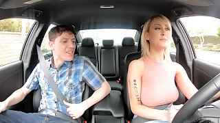 American taxi-cub driver Dogma Front gives gets intimate with one yo-yo passenger