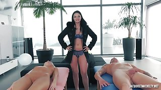 French Porn scene with Jessyca 28 Years Old babe