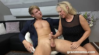 Hot rent boy bangs sex-starved old woman Marta and cums prevalent her brashness